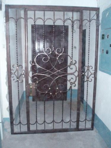 тамбурные металлические решетки в москве
